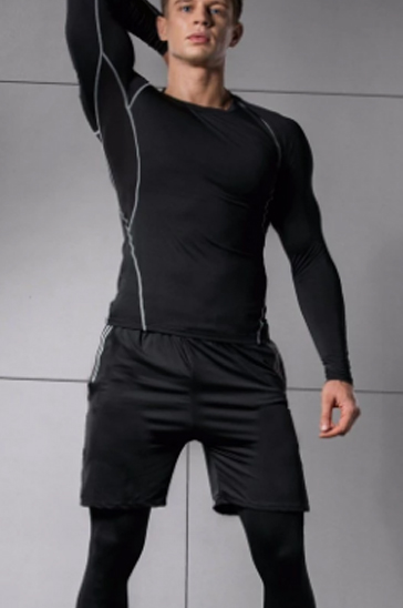 Black full sleeve men's running tee