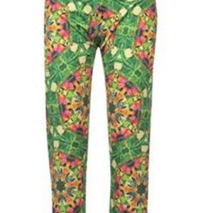 Green Psychedelic Printed Capri Wholesale